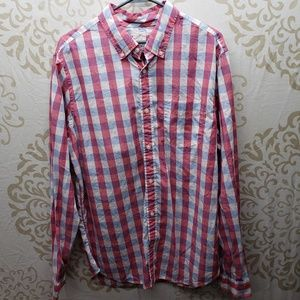 Gap Lived In Button-Down Shirt- Winterberry Size L